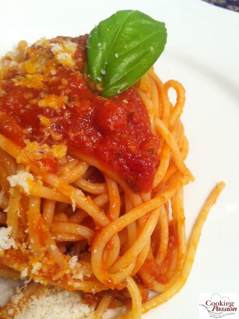 Spaghetti FiberPasta al pomodoro, basilico e finto grana